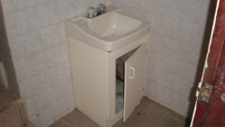 bathroom 1- lower flat