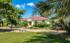 Real Estate in Belize – Recently Built House in Gated Community Near Ocean No. 1367