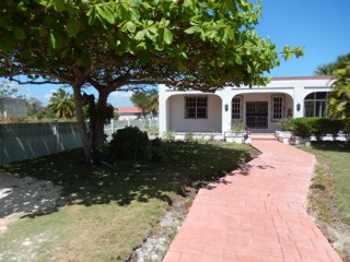 Large 2 Bedroom, 2 Bathroom Home Consejo Shores 200 Feet From Caribbean Sea No. 1448